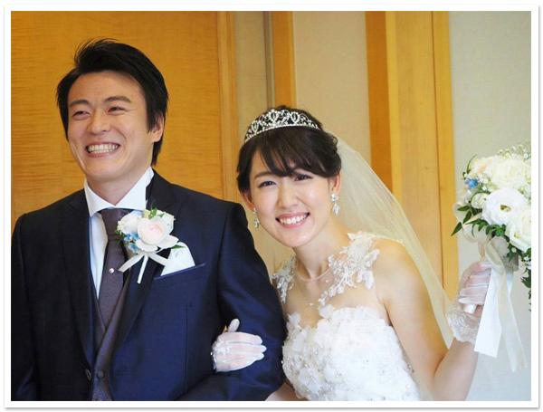 花嫁様のお写真【ロマンスハートティアラ】【アリアスワロフスキーイヤリング】