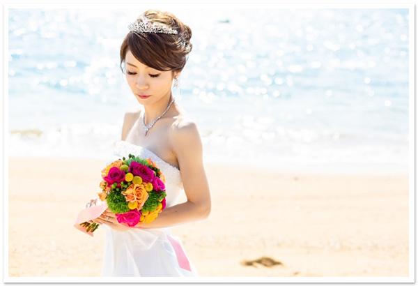 花嫁様お写真【セレニティジルコニアティアラ/フルブルームジルコニアネックレス&イヤリングセット】