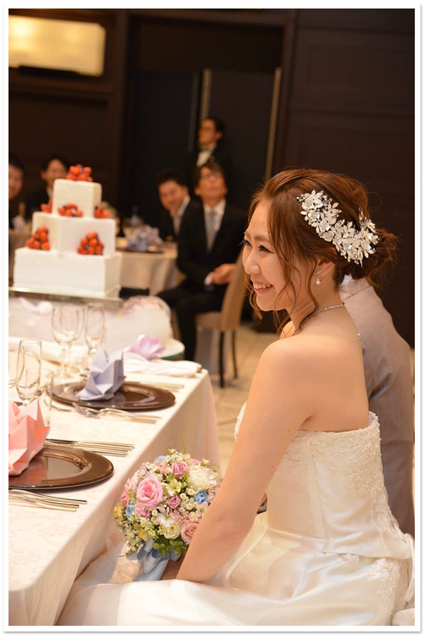 花嫁様お写真【ヘッドドレス【ファビュラス】/アイリスジルコニアネックレスセット】
